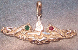 Picture of US Navy Guppy Submarine Dolphin military pendant