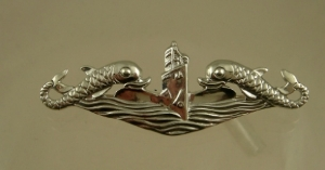 Picture of US Navy Submarine Dolphin Deep Wave Pin Badge WW2