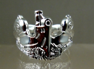Picture of  US Navy Submarine Dolphin Regulation uniform breast badge Ring